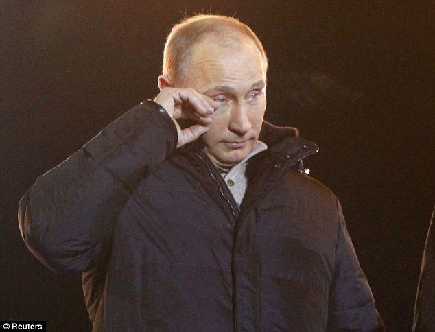 Putin llora después de anunciar el resultado de las elecciones, el cual le fue favorable.Fuente: The Daily Mail Online